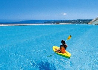 crystal_lagoons_description_chile_biggest_pool