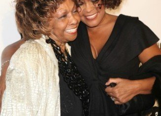 "Cissy Houston has agreed to write a book about Whitney Houston that will give fans ""something to treasure"""