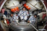 Shenzhou 9 spacecraft carrying three Chinese crew members has returned to Earth following a 13-day mission