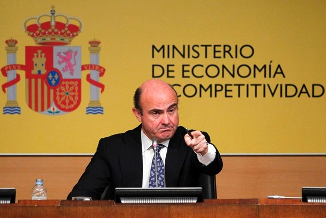 Spain's decision to request a loan of up to 100 billion Euros ($125 billion) from eurozone funds to help shore up its struggling banks has won broad support