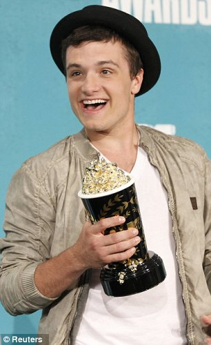 The Hunger Games' star Josh Hutcherson scooped a coveted award at the MTV Movie Awards 2012 in the form of Best Male Performance