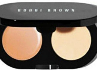 The secret of Kate Middleton's face-framing look is a modest £15.50 ($24) Bobbi Brown eye shadow powder from Peter Jones store make-up counter