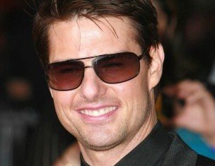 Tom Cruise has told friends that his skin has never looked better thanks to the expensive spa treatment based on nightingale poo