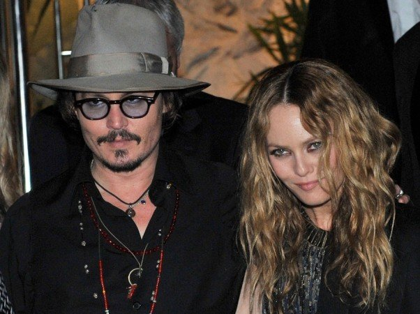 Vanessa Paradis is set to receive from her 14-year long partner Johnny Depp one of the biggest pay-off between a non-married couple