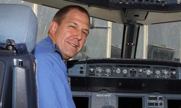 A judge in Amarillo Texas said JetBlue pilot Clayton Osbon suffered severe mental disease or defect photo