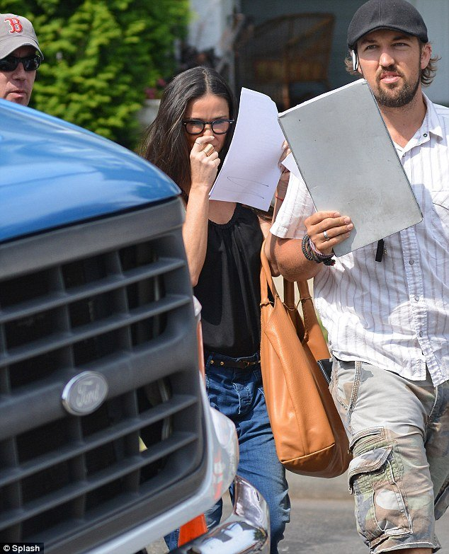 Demi Moore was spotted arriving on the set of Very Good Girls today but she wasn't so keen on being seen in public
