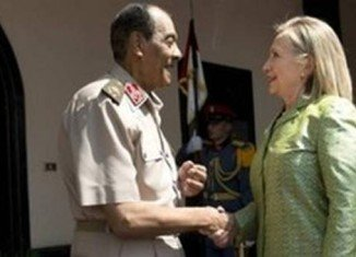 Hillary Clinton has met the head of Egypt's top military council, Field Marshal Mohamad Hussein Tantawi