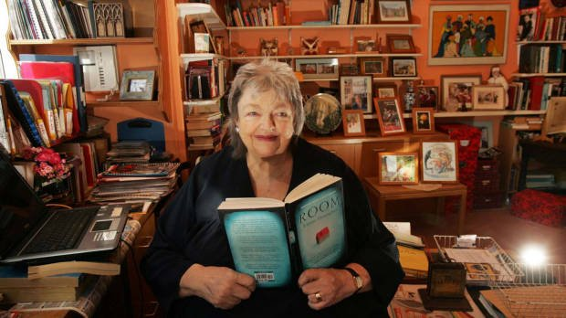 Irish author Maeve Binchy has died aged 72 after a short illness