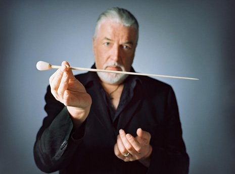 Jon Lord, the former keyboard player with heavy rock band Deep Purple, has died from pancreatic cancer at 71