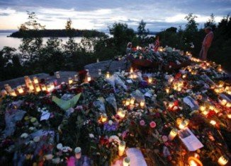 Norway is commemorating one year since 77 people were killed and 242 hurt in gun and bomb attacks in Oslo and on the island of Utoeya