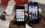 Apple's legal motion to have some Samsung mobile phones banned in the US will now be heard in court on December 6th