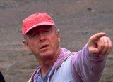 Director Tony Scott, famous for films including Top Gun, has died after jumping from a bridge in Los Angeles