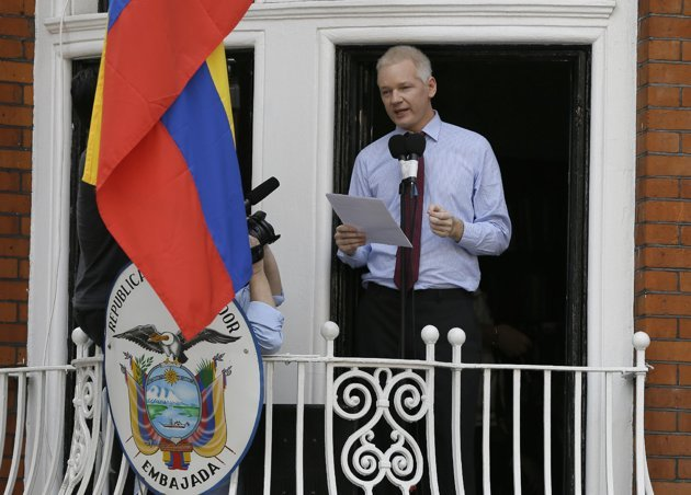 "Julian Assange has urged the US to end its ""witch-hunt"" against WikiLeaks, in his first public statement since entering Ecuador's London embassy"