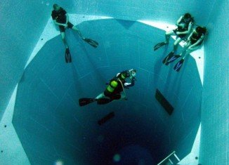 Located in Brussels in Belgium, Nemo 33, the world's deepest swimming pool, contains a whopping 660,500 gallons