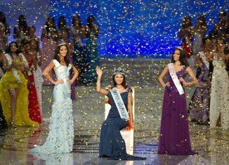 Miss China Yu Wenxia was crowned as Miss World 2012 at the Dongsheng stadium