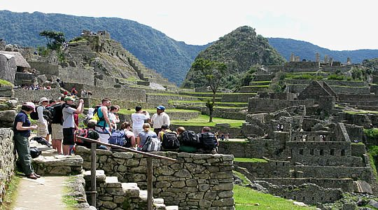 Peruvian President Ollanta Humala has unveiled plans for a new airport near Cusco which he says will boost tourism to the Inca ruins of Machu Picchu and the surrounding region