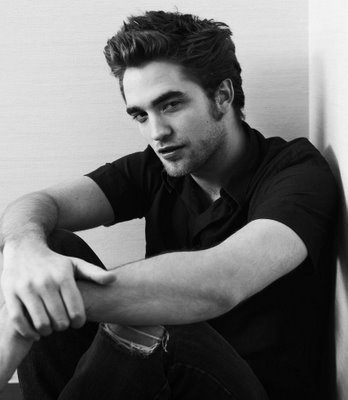 Robert Pattinson is scheduled to give his first interview next week on August 15 since news of his cheating girlfriend Kristen Stewart surfaced
