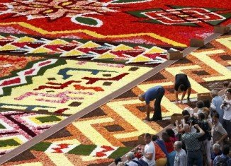 Traditional patterns from Ethiopia, Congo, Nigeria, Cameroon and Botswana are displayed in the 2012 Flower Carpet from Grand Place