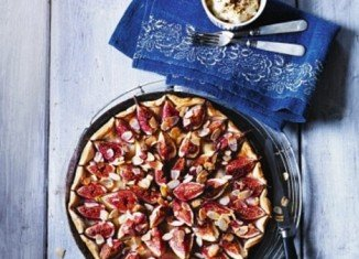 Fig, honey and almond tart