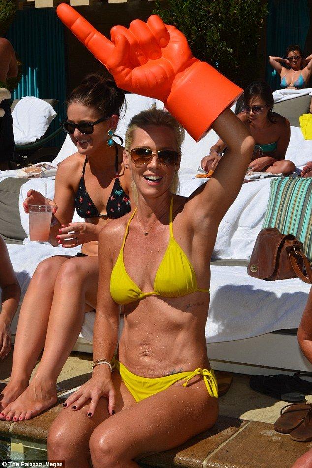jennie garth post split weight loss revealed in yellow bikini at labor