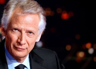 Police in Paris are questioning former French Prime Minister Dominique de Villepin over an embezzlement case involving a friend