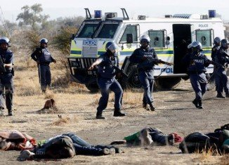 South African prosecutors have decided to provisionally drop murder charges against 270 miners at Lonmin Marikana platinum mine