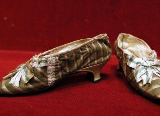 A pair of Marie Antoinette's slippers has been auctioned for 50,000 euros
