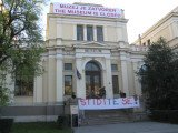 Bosnia's National Museum has closed because of lack of funds and political splits