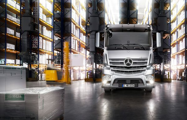 Mercedes-Benz Antos can be driven at Commercial Motor Live 2012
