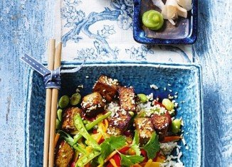 Spicy tofu with ginger and peppers