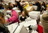 A recent survey shows in-store retail sales on 2012 Black Friday dropped from last year