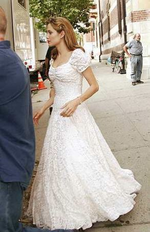 Angelina Jolie wedding dress to be created by L\'Wern Scott