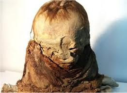 Bolivia has returned a 700-year-old mummy to Peru, from where it was stolen by antiquities traffickers
