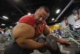 Moustafa Ismail defends his natural 31 inches biceps and insists they are result of protein and water
