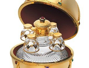 One Christmas gift which is sure to please the most demanding of recipients is the super premium vodka housed in a Faberge-inspired gold egg