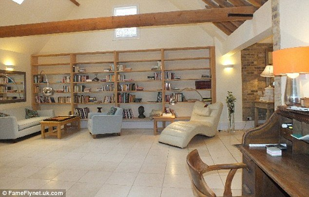 Angelina Jolie And Brad Pitt 39 Luxury Country Cottage In