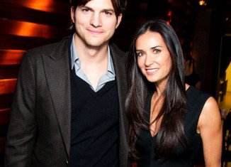 Demi Moore was reportedly the one holding up the legal proceedings in her divorce from Ashton Kutcher as she wants a settlement similar to that from first husband Bruce Willis