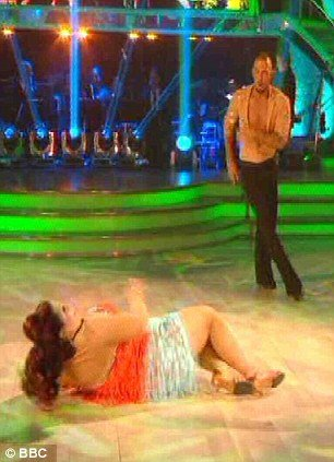 During Strictly Come Dancing semi-final on Saturday evening Lisa Riley and her professional dance partner Robin Windsor had the audience laughing for all the wrong reasons