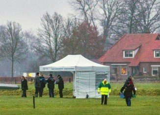 Dutch police are investigating how the body of skydiver Mark van den Boogaard lay undetected in a field for more than a week