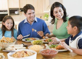 Eating meals as a family improves children's eating habits, even if it only happens once or twice a week