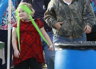 Honey Boo Boo got a head start on Christmas as her family shopped at the Smiley's Flea Market and Yard Sale in their home town of Macon