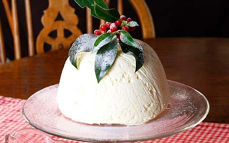 Ice cream Christmas pudding
