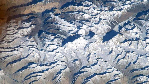 NASA has admitted it mistook a mountain in India for Mount Everest when it posted online a picture taken from space