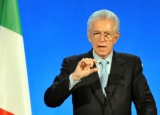 Outgoing Prime Minister Mario Monti is to lead a coalition of centre parties going into Italy's parliamentary election in February