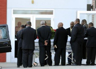 Past and present Kansas City Chiefs players turned out Wednesday for a memorial service for teammate Jovan Belcher, who killed his girlfriend Kasandra Perkins and then himself