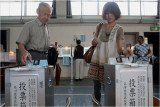 People are voting in a general election in Japan, where former leader Shinzo Abe is challenging the current prime minister, Yoshihiko Noda