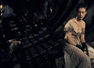 Anne Hathaway shed 25 lb for her role as Fantine in the film musical Les Miserables by living on lettuce leaves