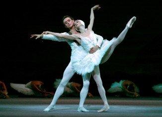 Bolshoi top ballerina Svetlana Lunkina has revealed she has moved to Canada amid claims of threats to her husband