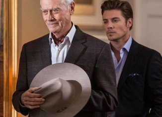 Dallas producers are set to pay tribute to the late Larry Hagman by killing off his character JR Ewing, in an hour-long special of the new version of the show