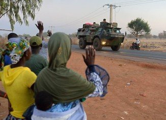 French-led forces in Mali are advancing on the key northern city of Timbuktu, as they press on with their offensive against Islamist rebels